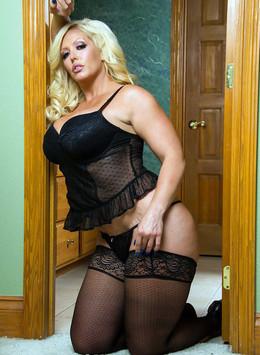 Big tits mature pornstar - Alura..