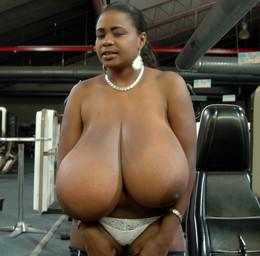 Famous black babe Miosotis exposing..