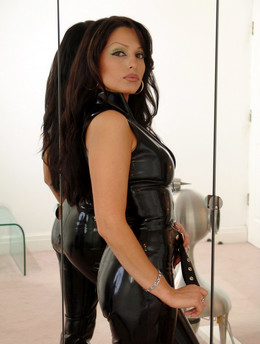 Beautiful 39 yo babe in tempting latex..