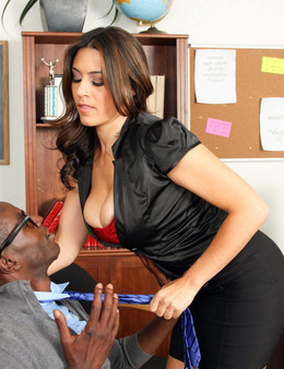Hot milf Dean Raylene blows huge black..