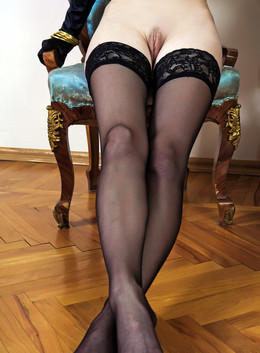Young babe ANITA, boudoir black..